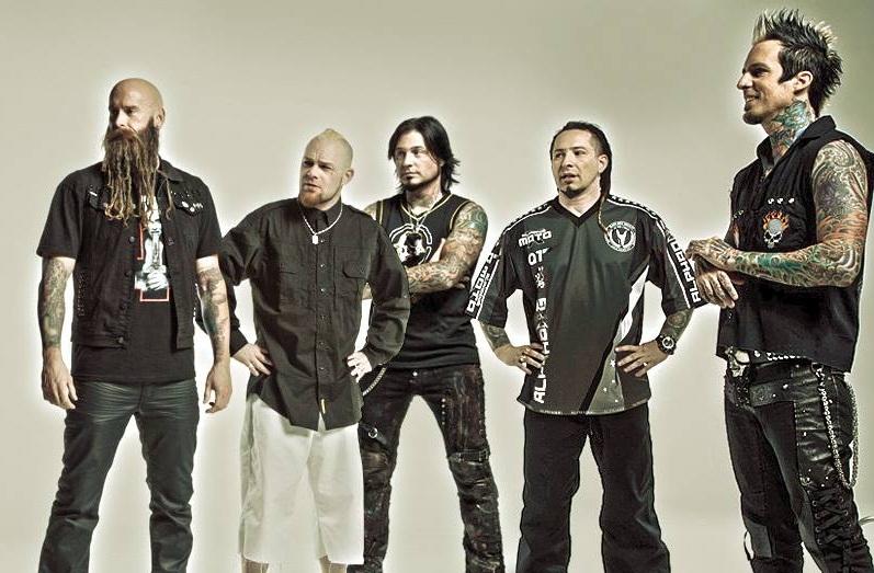Αποχωρεί από τους Five Finger Death Punch ο τραγουδιστής - Roxx.gr