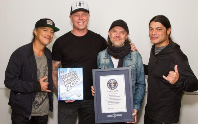 Μπήκαν στο βιβλίο με τα ρεκόρ Γκίνες οι Metallica Metallicaguinessbigger_638