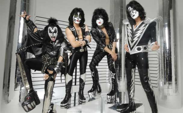 Οι Kiss είναι οι τρίτοι headliners του Download Festival - Roxx.gr