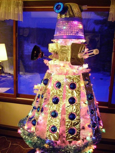 christmas-tree-doctor-who-dalek