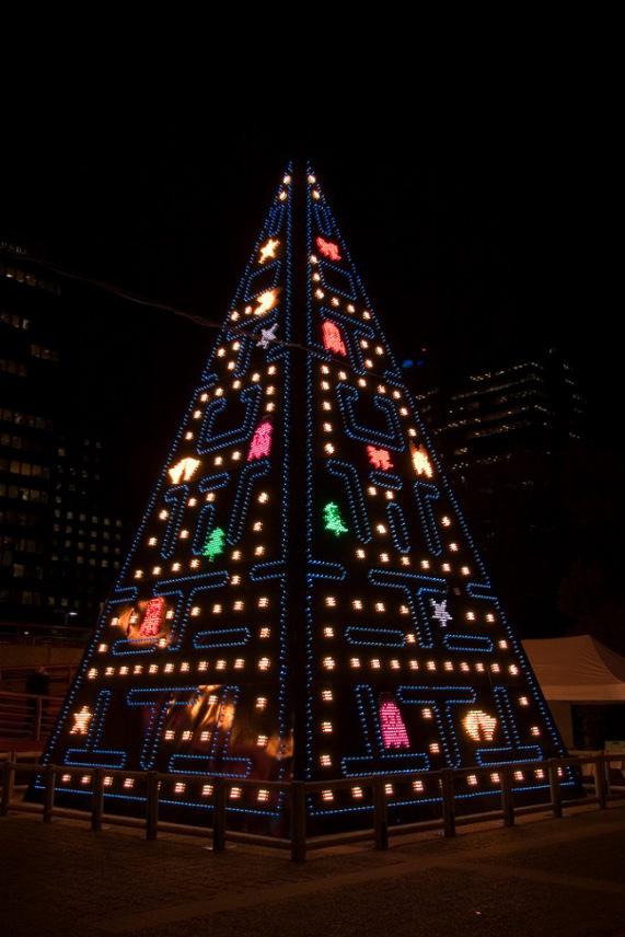 christmas-tree-pac-man-pacman-01