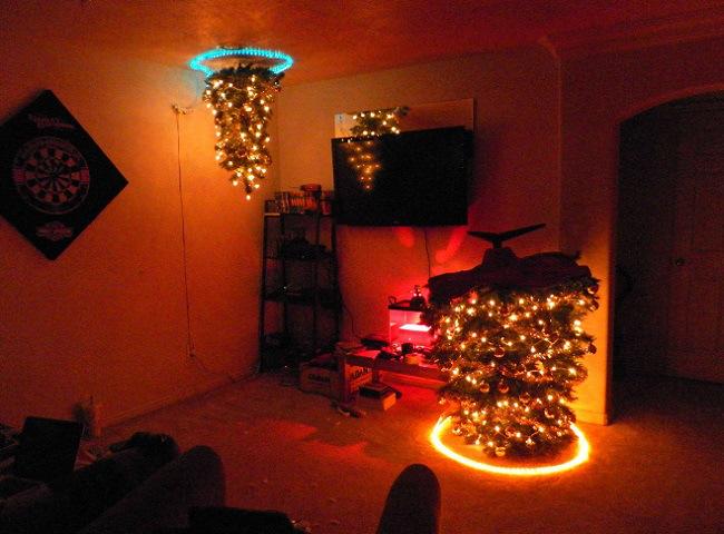 portal-christmas-tree-03