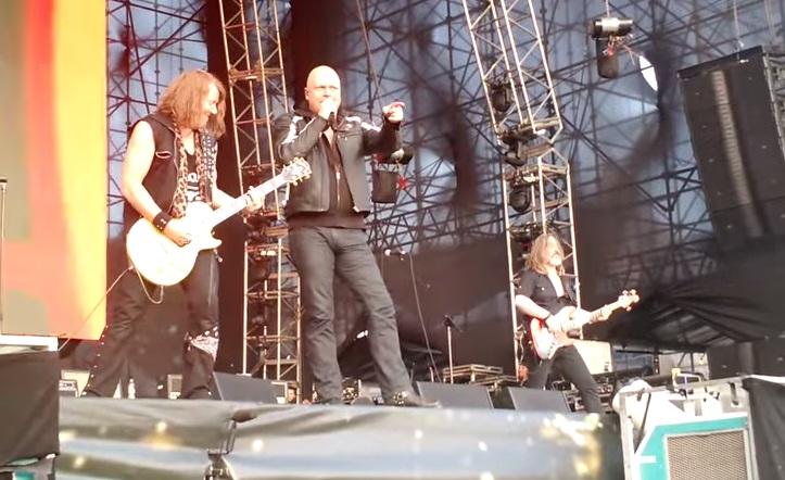 Σχεδόν 30 χρόνια μετά και ο Kiske είναι ακόμα καταπληκτικός τραγουδώντας το I Want Out - Roxx.gr
