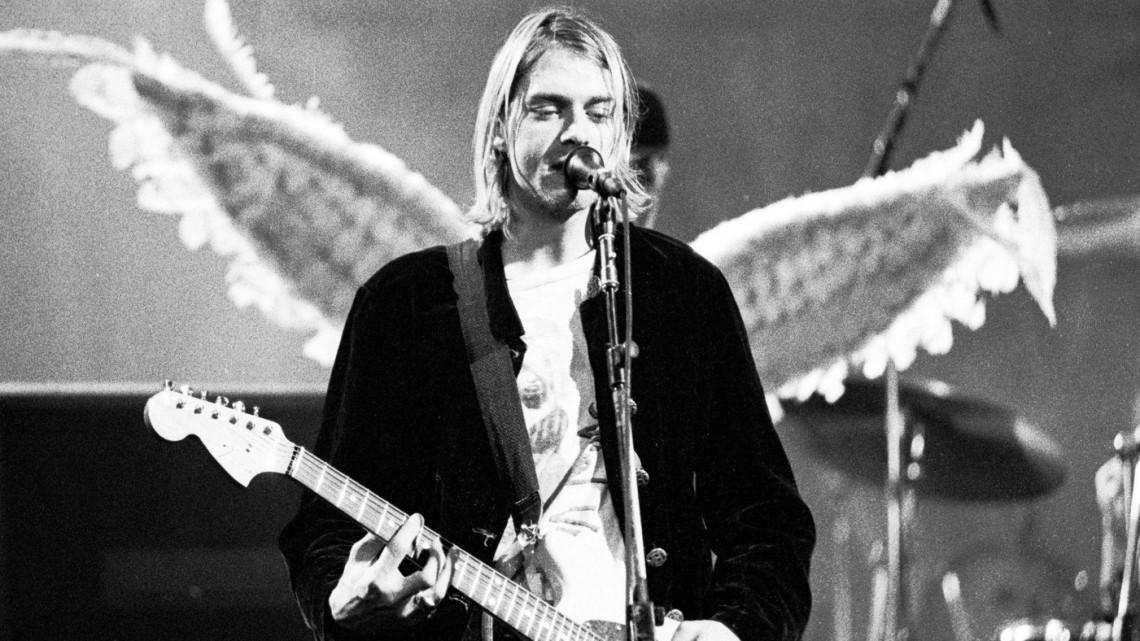 Για κάποιο λόγο η αστυνομία του Σιάτλ κυκλοφόρησε φωτογραφίες με το όπλο αυτοκτονίας του Kurt Cobain - Roxx.gr