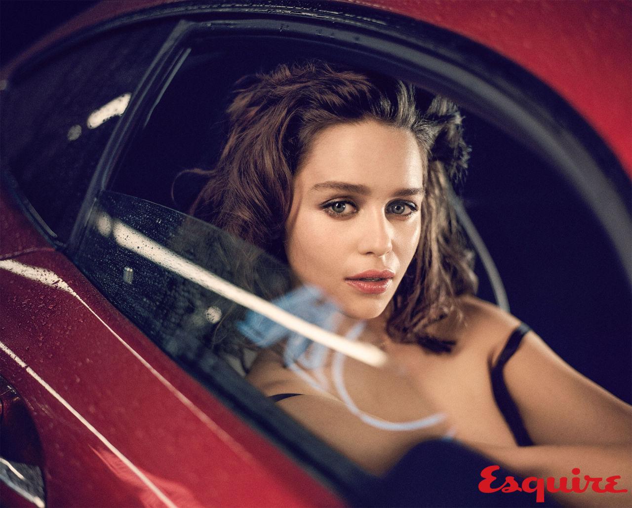 gallery-1444418953-emilia-clarke-sexiest-woman-alive-2015-006