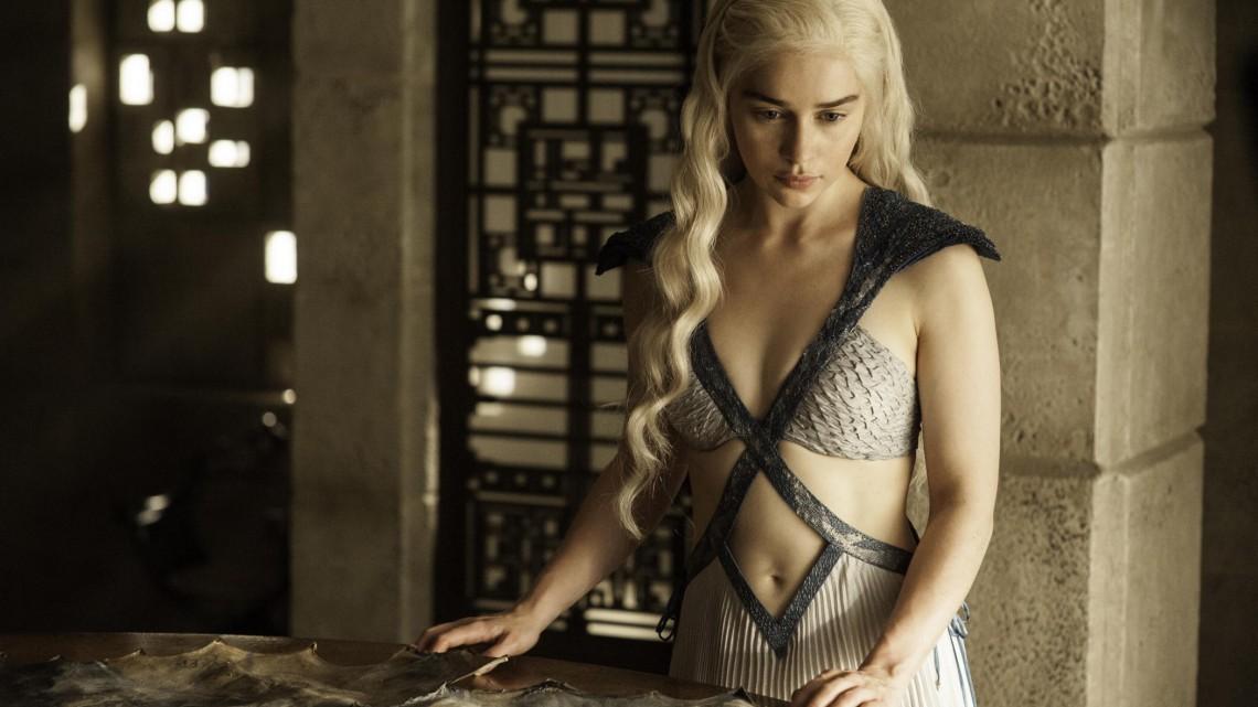 post-43694-Daenerys-Targaryen-hot-Game-of-x8tmEmilia-Clarke-1140x641