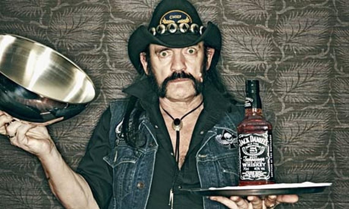 Αυτό είναι ένα από τα τελευταία τραγούδια που ηχογράφησε ο Lemmy - Roxx.gr
