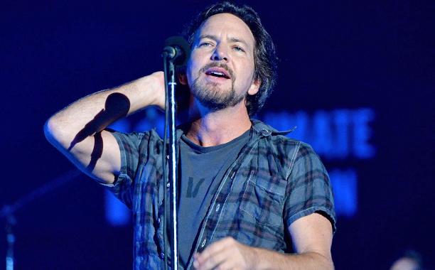 Eddie Vedder: Κυκλοφορεί σόλο άλμπουμ και αυτό είναι το πρώτο single - Roxx.gr
