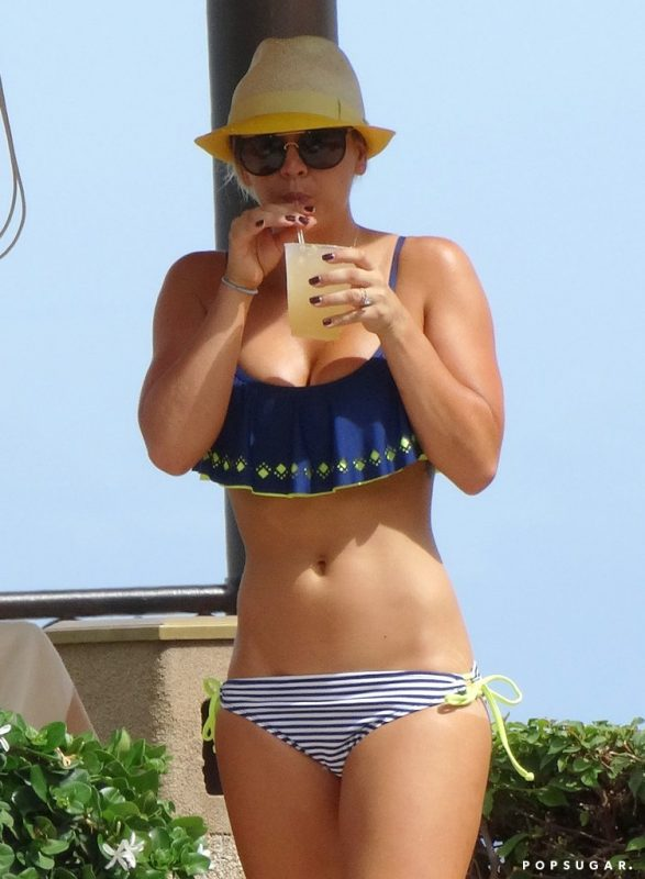 Kaley-Cuoco-Hottest-Pictures