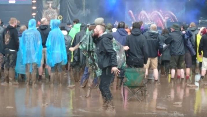 Ρεσιτάλ metal… χορού στο Download Festival την ώρα των Nightwish! - Roxx.gr