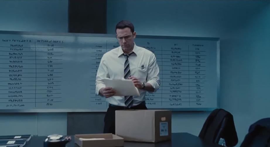 O Μπεν Άφλεκ τα κάνει όλα και συμφέρει στο δεύτερο trailer του Accountant - Roxx.gr
