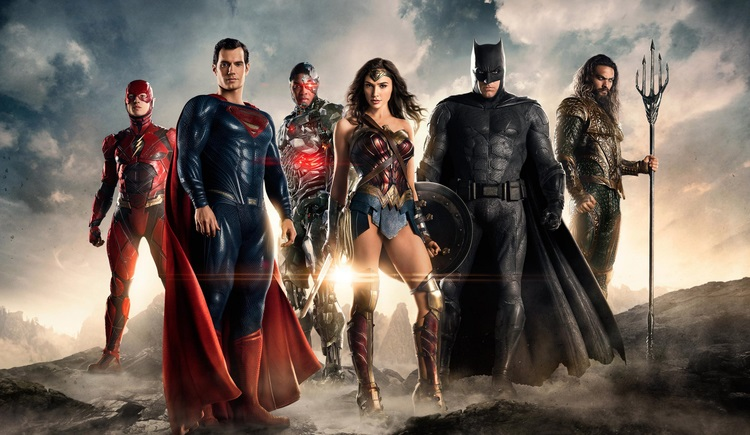 Τι κοιτάνε σε αυτή τη νέα φωτογραφία τα μέλη της Justice League; - Roxx.gr