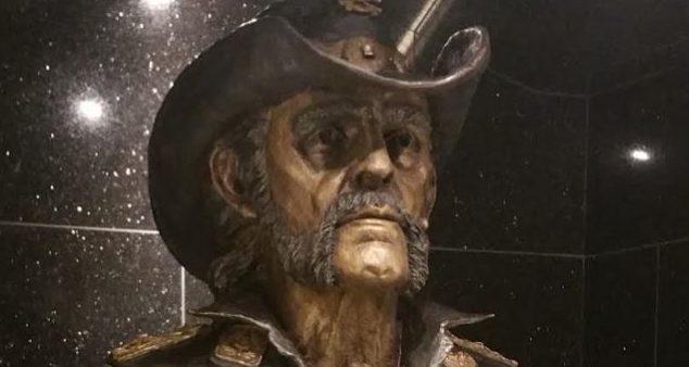 Εντυπωσιακό άγαλμα του Lemmy στο αγαπημένο του στέκι - Roxx.gr
