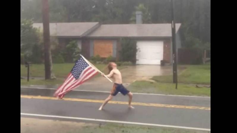 Τύπος στην Αμερική υποδέχεται τον τυφώνα Μάθιου με headbanging και Slayer - Roxx.gr