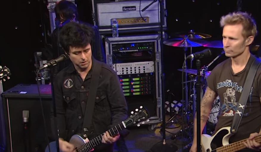 Δείτε τους Green Day να παίζουν live ένα παλιό, ένα καινούργιο και ένα ενδιάμεσο! - Roxx.gr