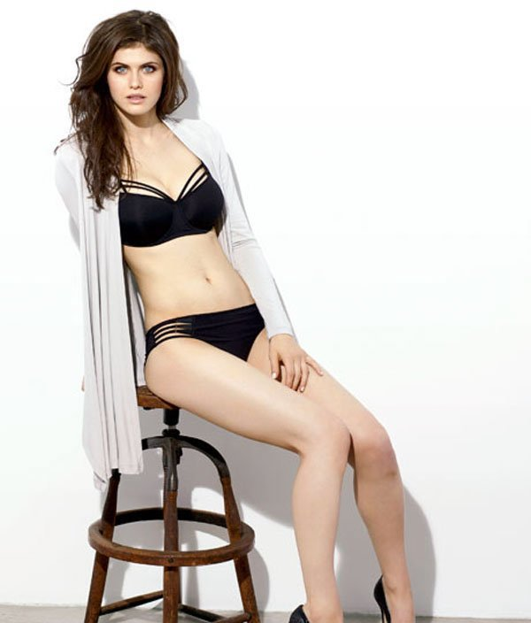 alexandra-daddario-hottest-photos-16