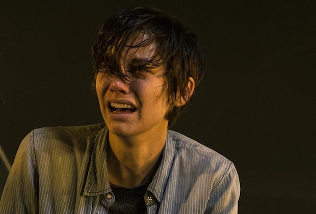 Διέρρευσε βίντεο με εναλλακτικό θάνατο στο Walking Dead που θα πόναγε ακόμα πιο πολύ - Roxx.gr