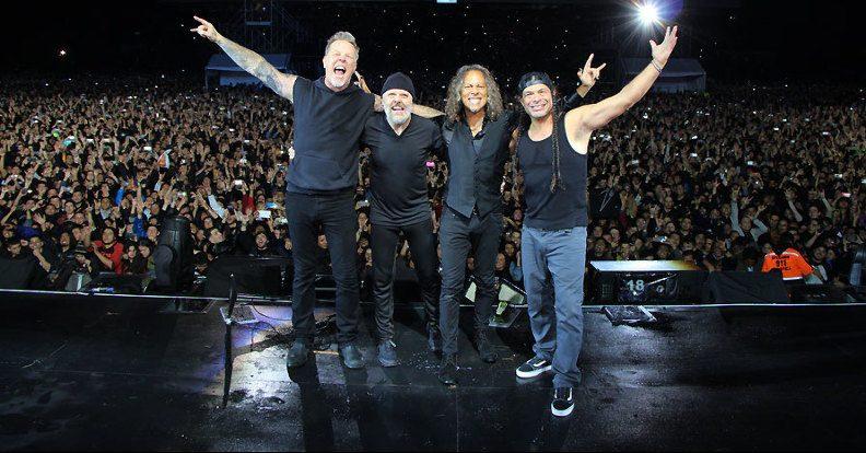 Οι Metallica παίζοντας το War Pigs τίμησαν τους Black Sabbath μέσα στο «σπίτι» τους - Roxx.gr
