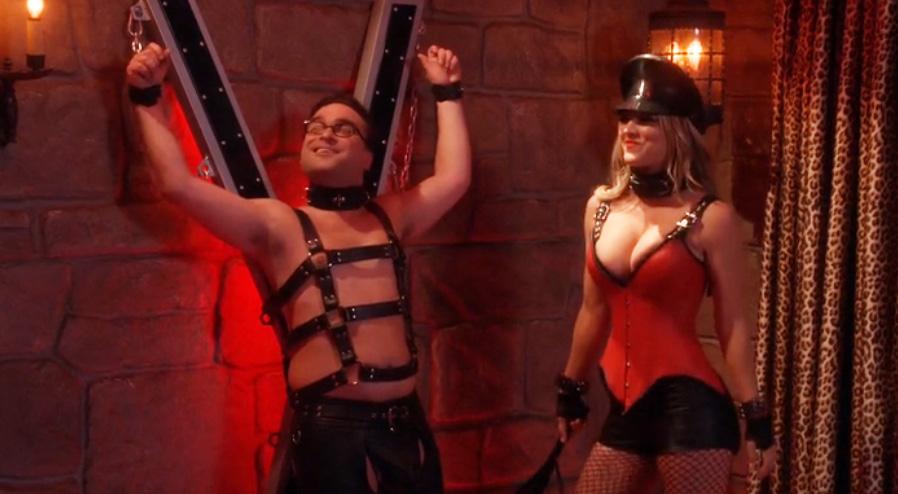 Πέταξε… φωτιές η Penny στο Big Bang Theory με κολασμένο ντύσιμο - Roxx.gr