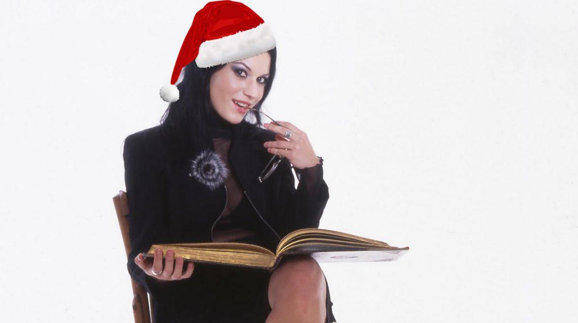 Στο χριστουγεννιάτικο τραγούδι τους οι Lacuna Coil απειλούν τα κακά παιδιά! - Roxx.gr
