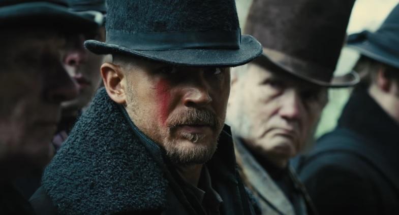 Το Taboo με τον Tom Hardy υπόσχεται βία, μαυρίλα και μπόλικη τρέλα! - Roxx.gr