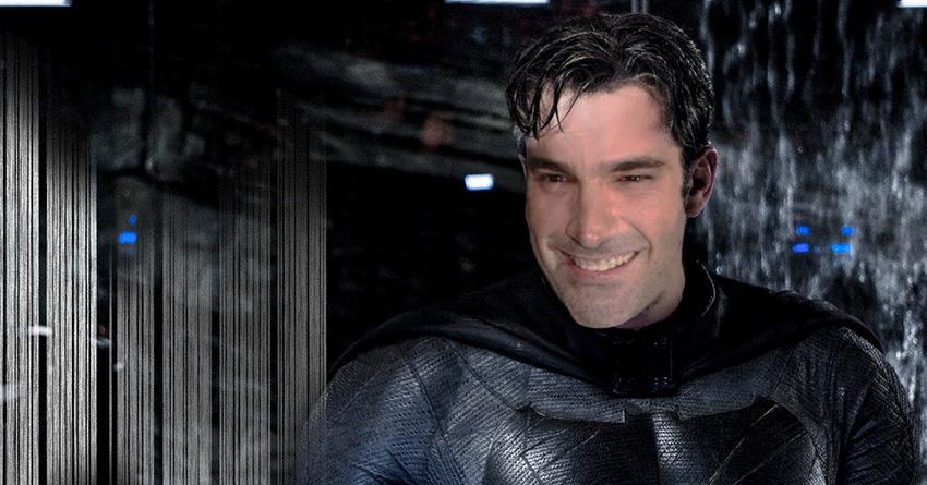 Σοκαριστήκαμε όταν μάθαμε ότι ο Παπακαλιάτης θα κάνει τη φωνή του Batman - Roxx.gr