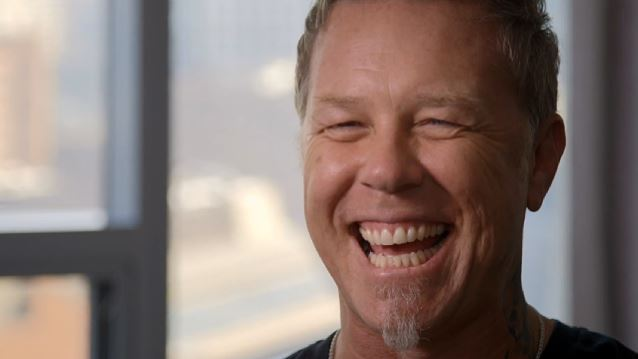 Ο James Hetfield επέστρεψε στο instagram αλλά υπόσχεται να μην παρασυρθεί ξανά! - Roxx.gr