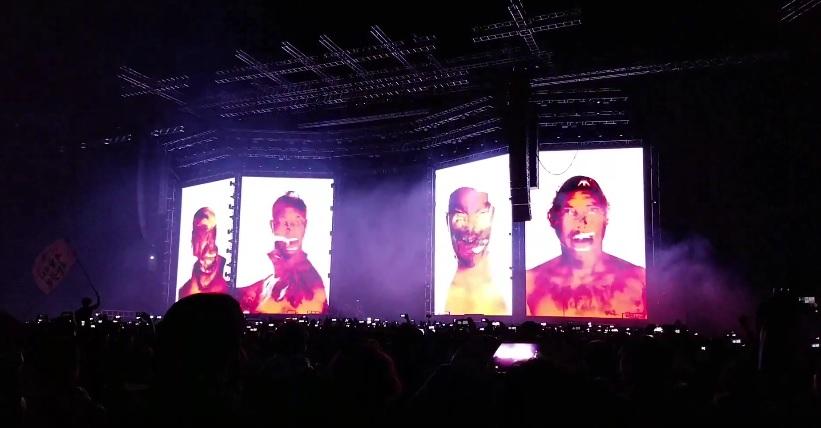 Έτσι βγαίνουν στη σκηνή οι Metallica στη νέα τους περιοδεία! - Roxx.gr