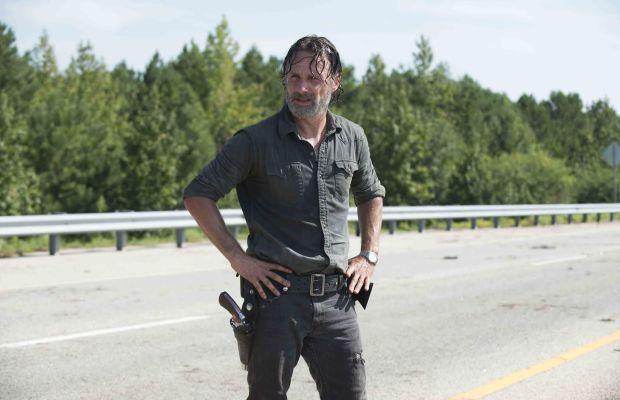 Έξαλλοι με τον Ρικ έλληνες τηλεθεατές του Walking Dead: «Ψόφα μπας και μας απαλλάξεις από την βλακεία σου» - Roxx.gr