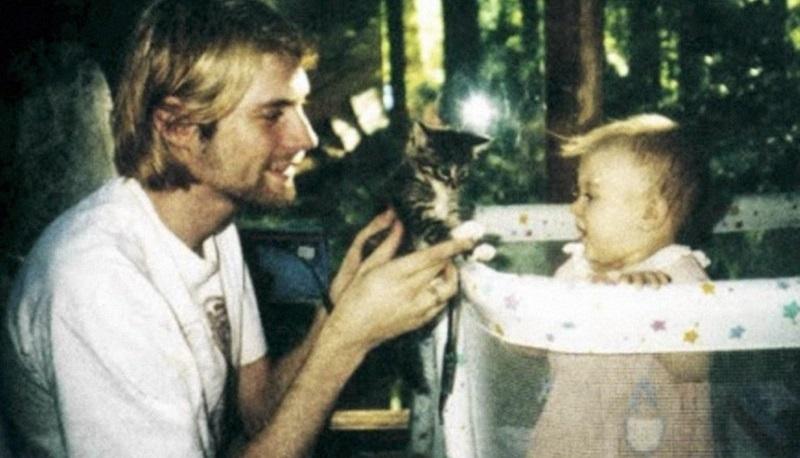 Το συγκινητικό μήνυμα της κόρης του Kurt Cobain ανήμερα των γενεθλίων του - Roxx.gr