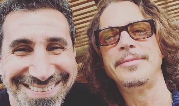 O Serj Tankian αποχαιρετά τον Chris Cornell: «Η μουσική σου έχει αφήσει ανεξίτηλο σημάδι πάνω μου» - Roxx.gr