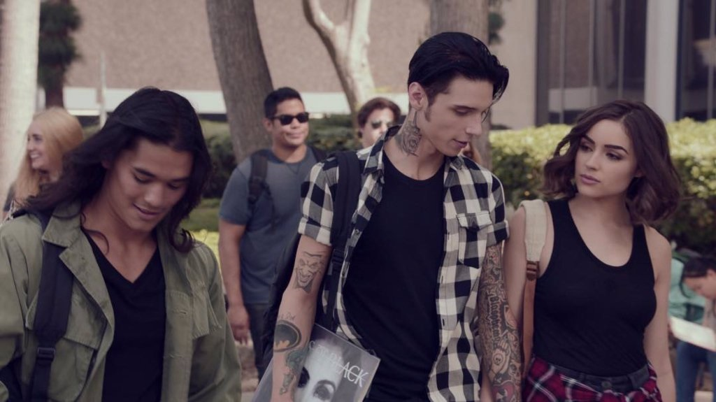 Metal, σατανάς, σεξ και χρήμα στο πρώτο trailer του American Satan! - Roxx.gr