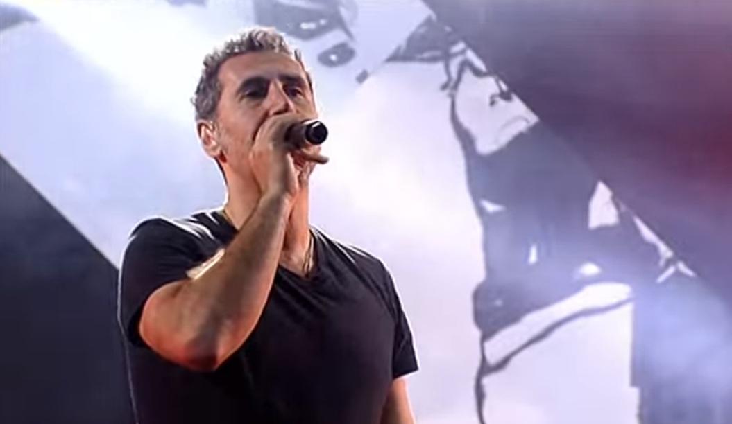 Serj Tankian: «Είμαστε καλύτεροι φίλοι στους System of a Down τώρα που δεν βγάζουμε δίσκο» - Roxx.gr