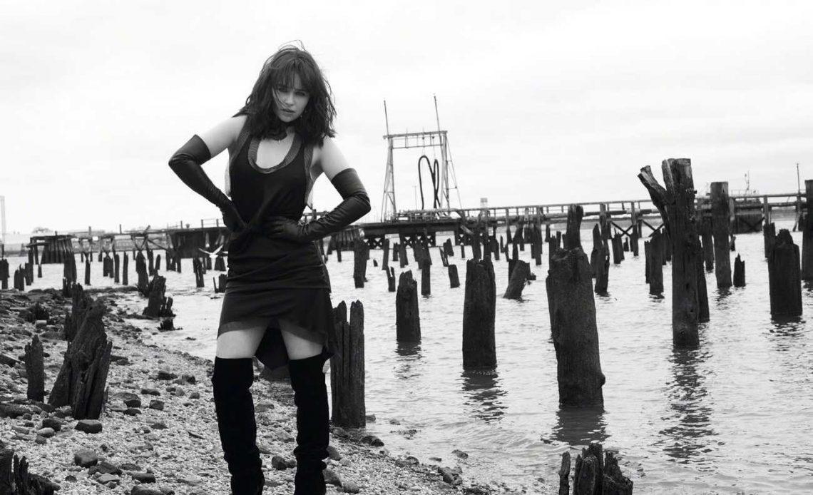 Η Ντένερις κηρύσσει και επίσημα την εποχή του Game of Thrones με τη νέα της φωτογράφιση - Roxx.gr