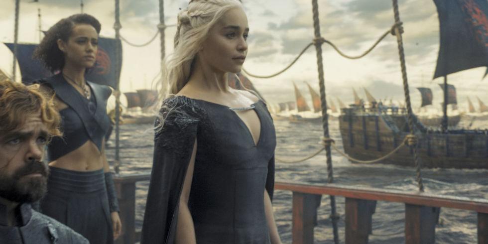 Τέρμα η περόυκα – Η Ντενέρις θα μπει στην 8η σεζόν με αυθεντικό ξανθό μαλλί! - Roxx.gr