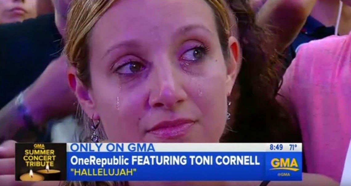 Η κόρη του Chris Cornell τραγούδησε σε tribute για τον πατέρα της και τον Chester - Roxx.gr