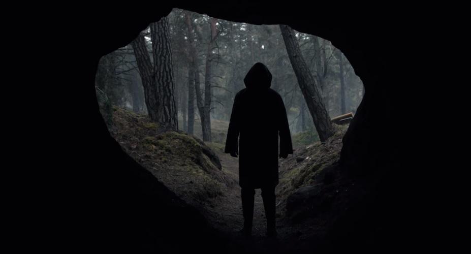 Οι πρώτες εικόνες από τη 2η σεζόν του Dark δείχνουν καταστροφή - Roxx.gr