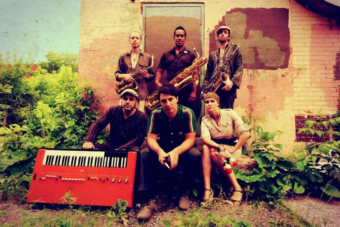 Τα 10 άλμπουμ που άλλαξαν την ζωή των The Souljazz Orchestra - Roxx.gr