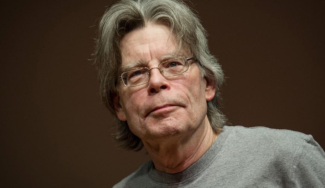 O Stephen King γράφει νέο τέλος για τη σειρά του Stand! - Roxx.gr