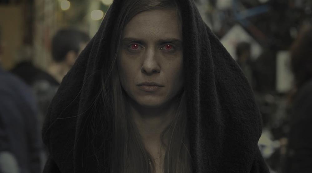 Είδαμε όλα τα επεισόδια του Athens Dark: Η ελληνική σειρά με βρικόλακες προσπαθεί να δαγκώσει - Roxx.gr