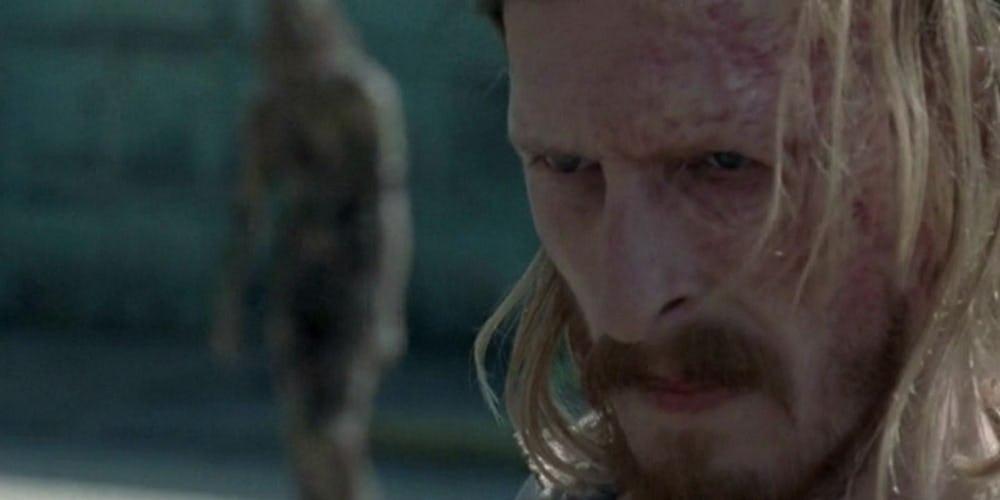 Το πρώτο γυμνό ζόμπι έκανε την εμφάνιση του στο Walking Dead - Roxx.gr
