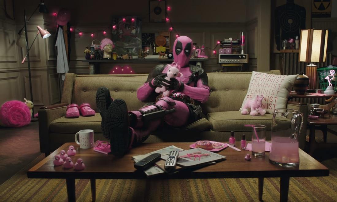 Ο Deadpool έβαλε ροζ στολή και έχει ένα σπέσιαλ μήνυμα για όλους εσάς! - Roxx.gr