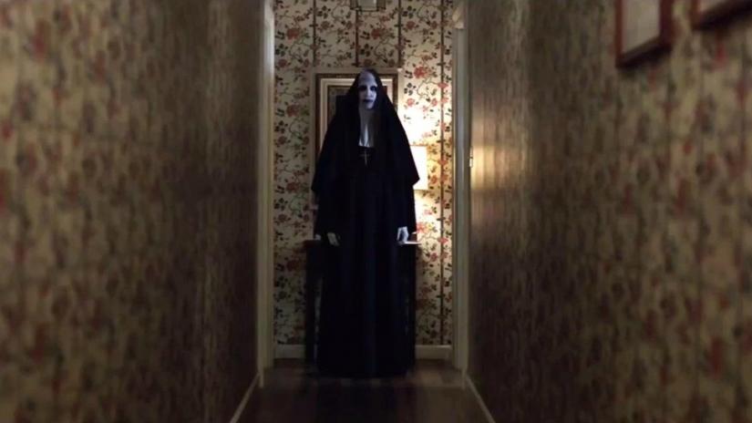 H δαιμονική καλόγρια που μοιάζει με τον Marilyn Manson στην πρώτη εικόνα από την δική της ταινία - Roxx.gr