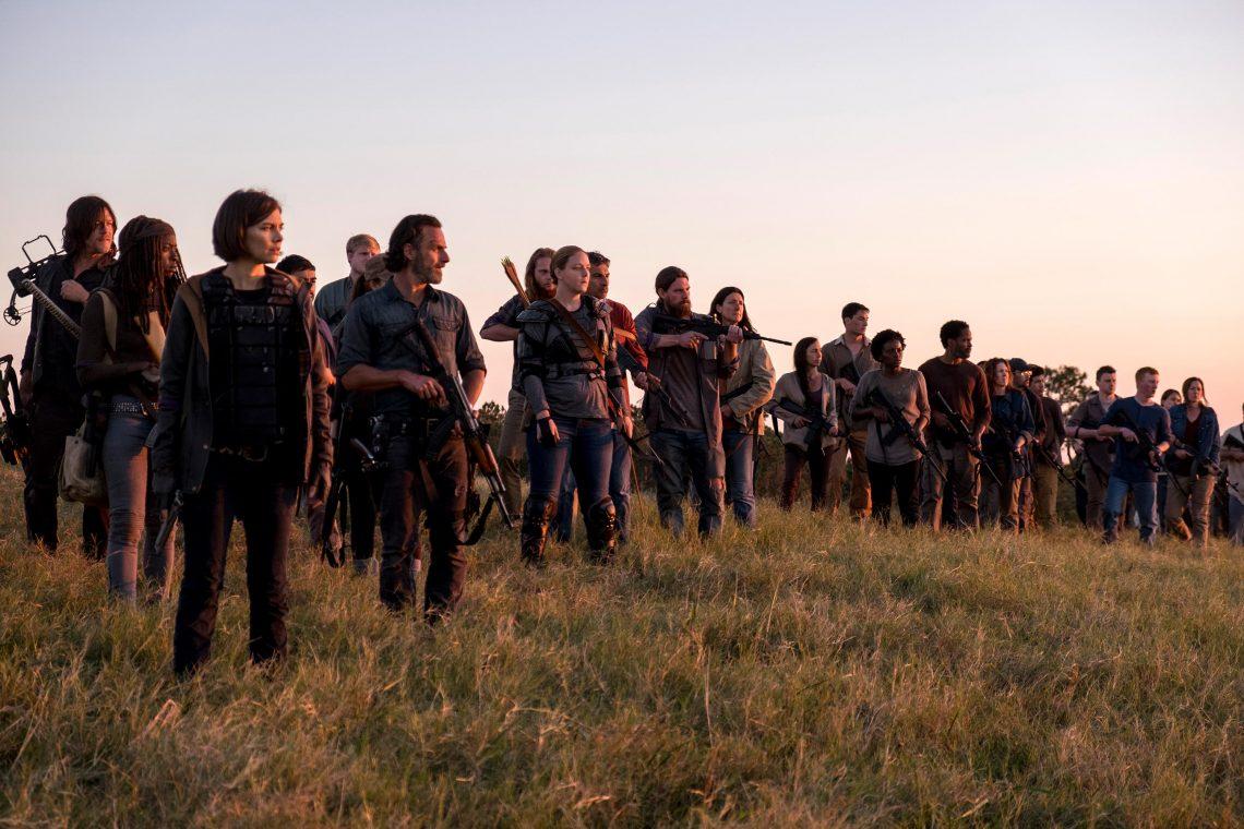 Οι φωτογραφίες για το φινάλε του Walking Dead μας προετοιμάζουν για ένα δυνατό φλασμπάκ - Roxx.gr