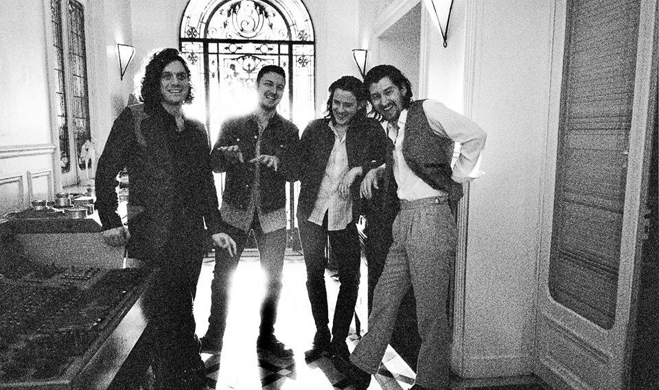 Οι Arctic Monkeys ζεσταίνονται για το Rockwave! - Roxx.gr