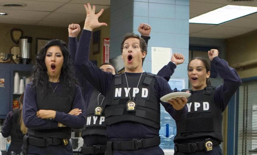 Οι αντιδράσεις του κόσμου έσωσαν το Brooklyn Nine-Nine που θα επιστρέψει για 6η σεζόν - Roxx.gr