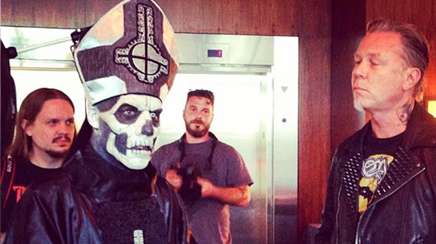 Ο James Hetfield γουστάρει Ghost και το (ξανά)δείχνει! - Roxx.gr