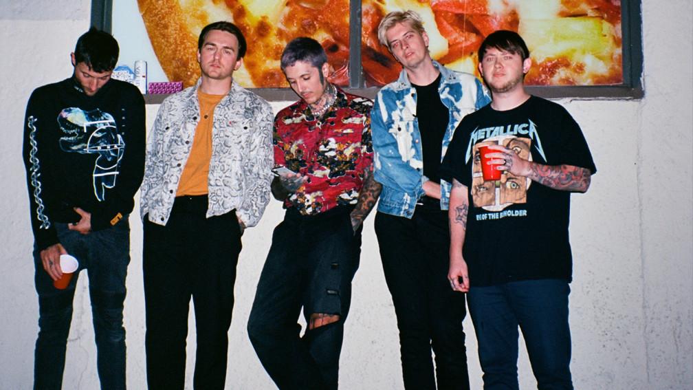 Θυμήθηκαν τις deathcore μέρες τους οι Bring me the Horizon στην περιοδεία! - Roxx.gr