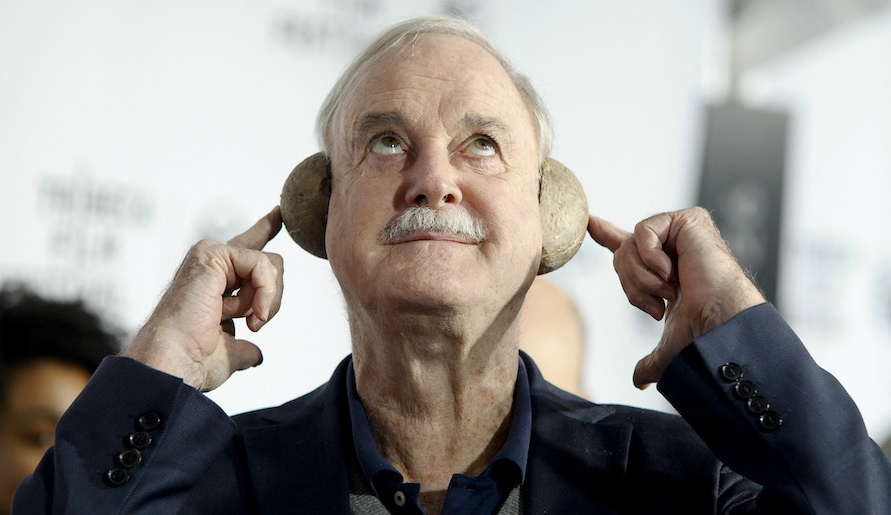 Ο θρυλικός John Cleese των Monty Python έρχεται στο Ηρώδειο τον Σεπτέμβριο! - Roxx.gr