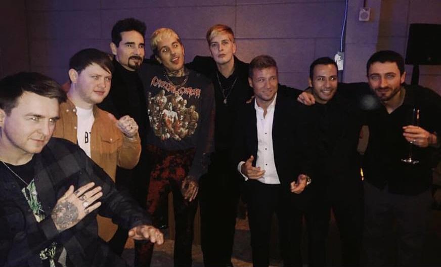 Φωτογραφία με τους Backstreet Boys έβγαλαν στα Grammy οι Bring me the Horizon - Roxx.gr